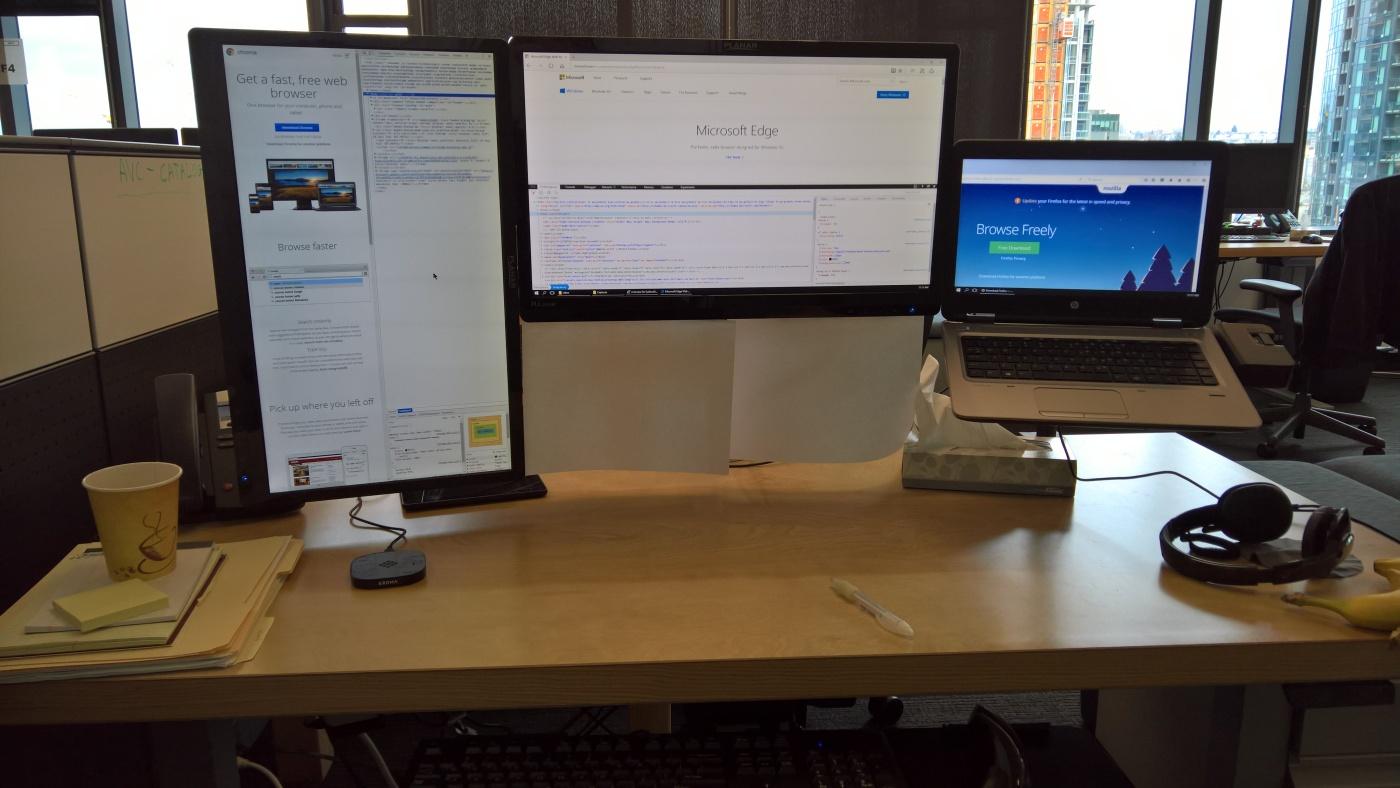 Diy Adjustable Laptop Vesa Stand With Docking Station